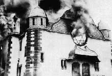 Kristallnacht : « La nuit de cristal » : la synagogue de Siegen part en fumée