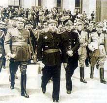 La guerre d'Espagne est finie : le nouveau maître : le « Caudillo » Francisco Franco