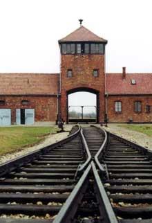 Auschwitz-Birkenau: «Vous qui entrez ici, abandonnez toute espérance!