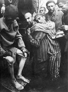 Auschwitz-Birkenau: la libération… des nus et des morts