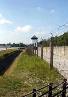 Dachau: clôture de barbelés
