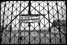 Dachau : l'entrée du camp