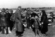 Lubny, Ukraine, 16 octobre 1941: déshabillage avant de mourir