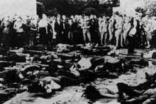 Lituanie: Juifs battus à mort par des auxiliaires lituaniens. Juin 1941