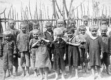 Groupes d�enfants avant leur ex�cution par les Einsatzgruppen