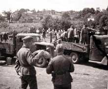 Rowno: la Wehrmacht entre dans la ville. Premières exactions