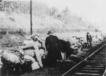 Snyatyn: récupération des bagages après la déportation des Juifs à Belzec