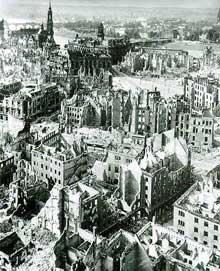 Dresde, ville martyre. Le nombre de morts du raid du 13 février 1944 est estimé à plus de 135 000