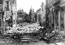 1944 : Caen paie un lourd tribu à la guerre en juin-juillet 1944