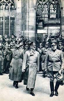 Strasbourg, 28 juin 1940 : le dictateur au pied le la cathédrale
