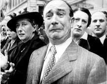 Paris, juin 1940: pendant que l'ennemi victorieux parade