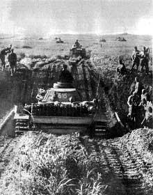 Les chars de Von Kluge foncent sur Smolensk