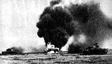 L'offensive anglaise sur Tobrouk et Benghazi oblige Rommel à reculer. Il reviendra