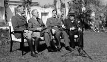 Conférence de Casablanca : de gauche à droite, Giraud, Roosevelt, De Gaulle, Churchill