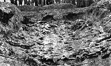 Le charnier de Katyn. Soviétiques et nazis s'accuseront mutuellement. Mais c.est bien le « petit père des peuples » qui a ordonné le massacre