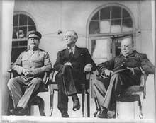 Staline, Roosevelt et Churchill lors de la conférence de Téhéran