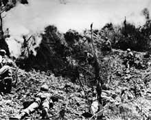 Okinawa : il a fallu nettoyer chaque bunker au lance flammes