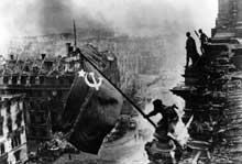 Le drapeau rouge flotte sur Berlin