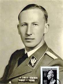 Reinhardt Heydrich… prototype de « la Race » bourreau des Juifs et des Tchèques. On murmurait dans les salons de Berlin qu'il avait du « sang juif »..