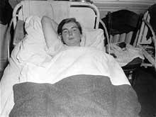 Une survivante de Elizabeth Killiam, 23 ans. Maman de jumeaux, elle fut st�rilis�e � Weilburg avant d��tre transf�r�e � Hadamar. Photographie prise par un militaire am�ricain � la lib�ration.