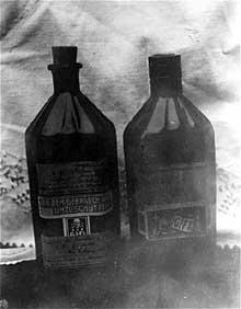 Hadamar: bouteilles de morphine retrouvée par les enquêteurs sur les crimes de guerre