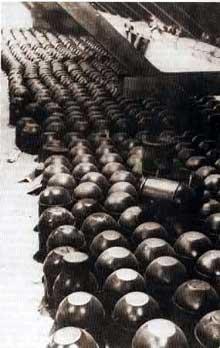 Stock d'urnes funéraires devant servir à recueillir les cendres des handicapés de l'opération T4. Clinique de Meseritz-Obrawalde