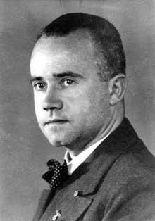 Le docteur Ernst Illing succède au docteur Erwin Jekelius de 1942 à 1945 comme directeur médical de la clinique neurologique «Am Spiegelgrund» de Vienne. Il est un des principaux responsables de l'euthanasie des enfants. Il sera condamné à mort et exécuté à Vienne en 1946.