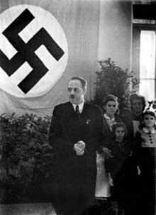 Le docteur Hans Krenek, directeur général du «Spiegelgrund» à partir de 1942, put continuer en toute impunité sa carrière de pédagogue au service de la ville de Vienne après 1945