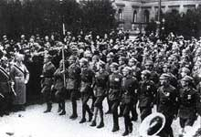 La SA défile devant le Prince Ruprecht de Bavière en 1923
