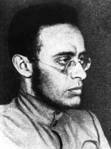 Karl Radek (1885-1939). Négociateur entre les Allemands et Lénine en 1916-1917, organisateur du parti communiste allemand, il sera victime de Staline en 1937 et mourra assassiné par le NKVD dans un goulag