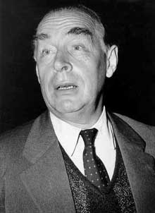 Erich Maria Remarque (1898-1970). Photo de 1956