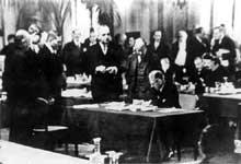 La conférence de Lausanne : 16 juin – 16 juillet 1932. Von Papen signe les accords