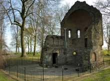 Nimègue: ruines de la chapelle Saint-Nicolas du Valkhof, vers 1050. Art ottonien