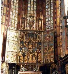 Cracovie: notre Dame. Le chœur avec le retable de Veit Stoss
